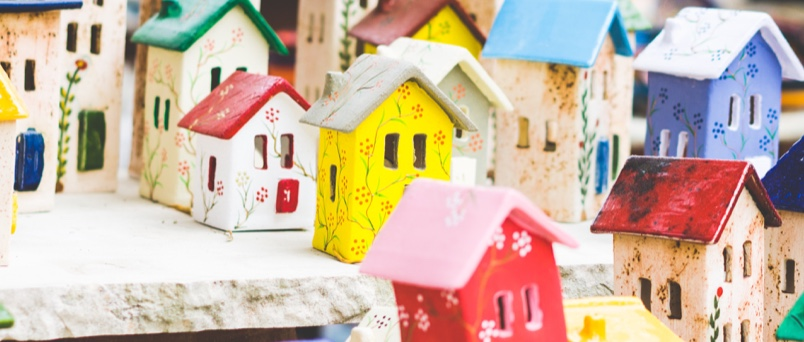 tiny houses made of clay