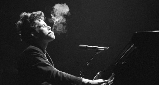 tom waits in concert
